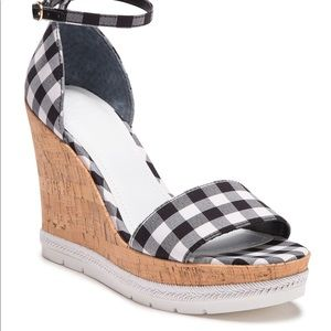 Guess wedge